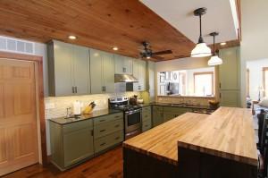 green-kitchen-island-pendant-light-south-falls-construction54f75b4db399e